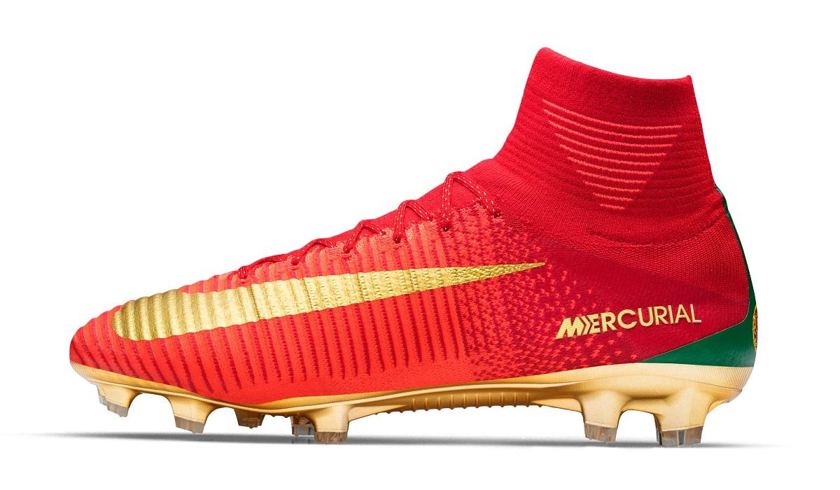 Ronaldo Gets Mercurial Campeões - CR7 X Portugal | Soccer