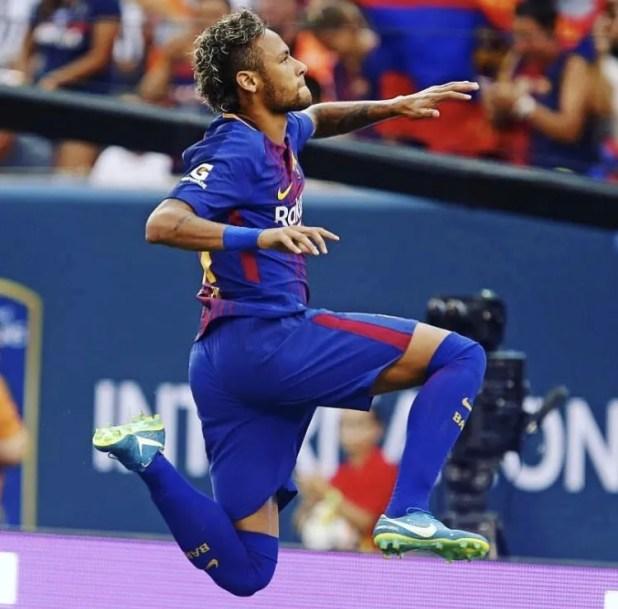 Neymar in Mercurial Vapor XI