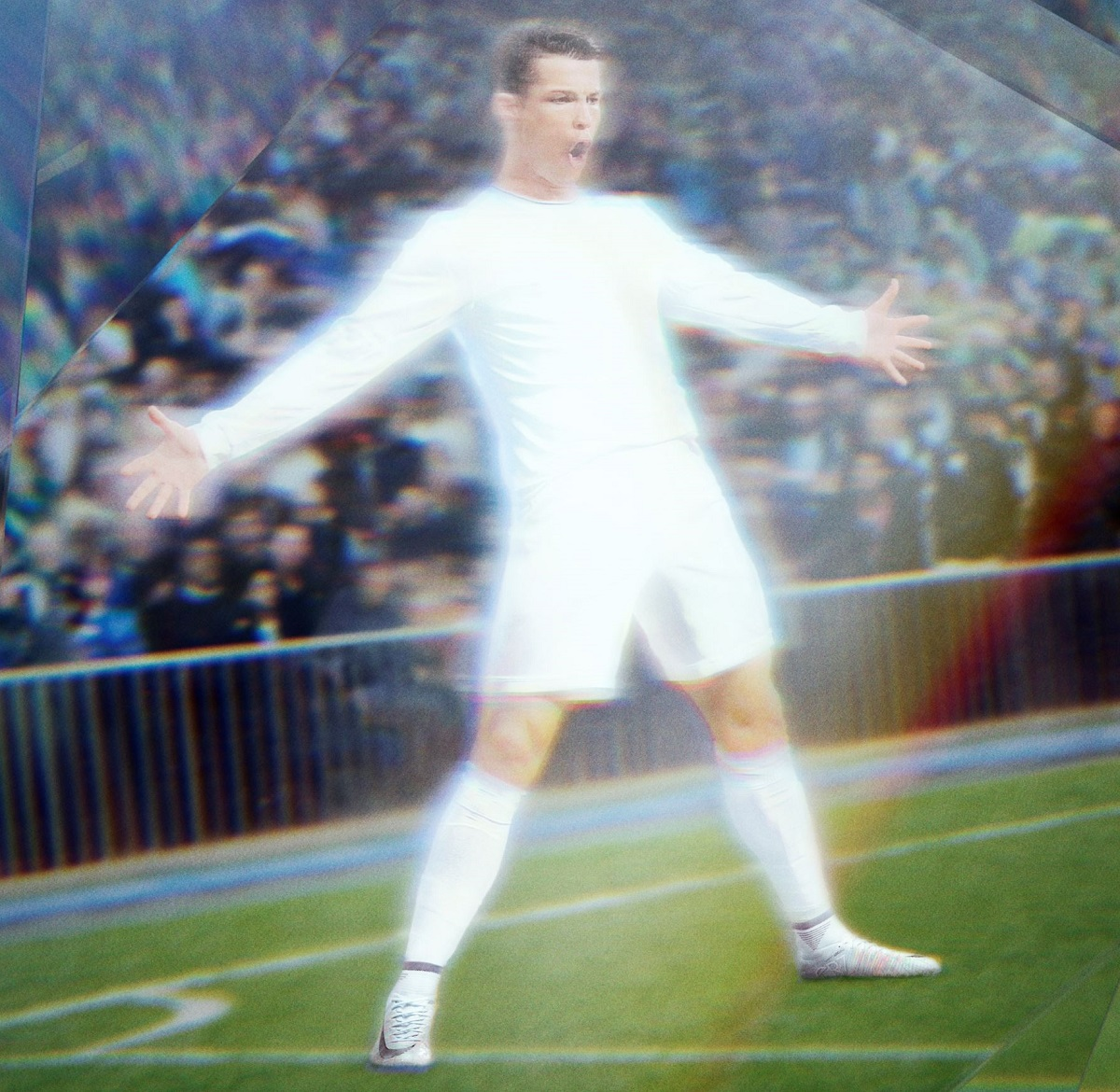 Cristiano Ronaldo Wearing Chapter 5 Superfly  5d18ea01d