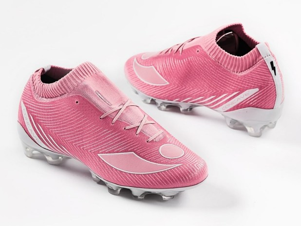 Concave Volt+ Knit Think Pink Boots