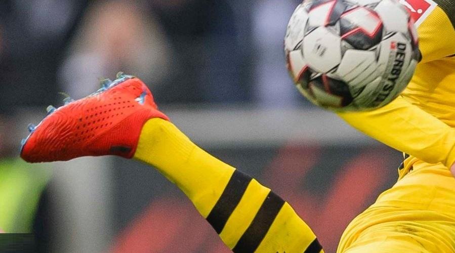 Marco Reus and the Laceless Puma FUTURE