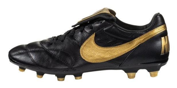 Nike Premier Modern Classic