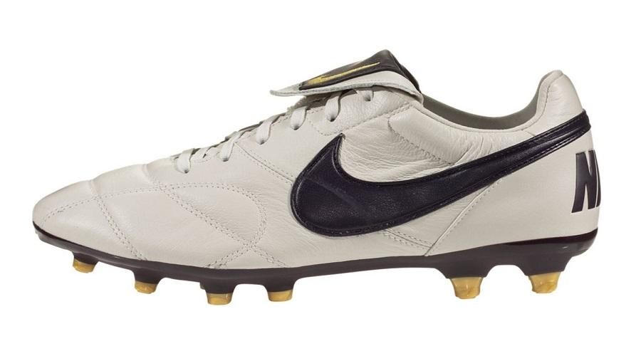 prefacio Perseguir celebracion  Latest Nike Premier II Colorway Drops in Bone White | Soccer Cleats 101