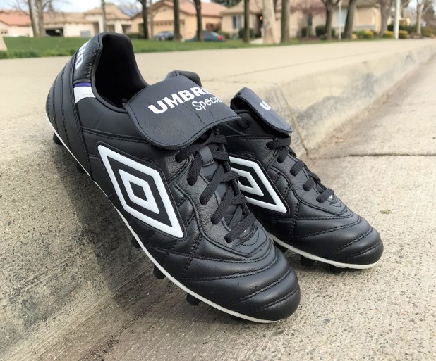 Umbro Speciali Pro feature review