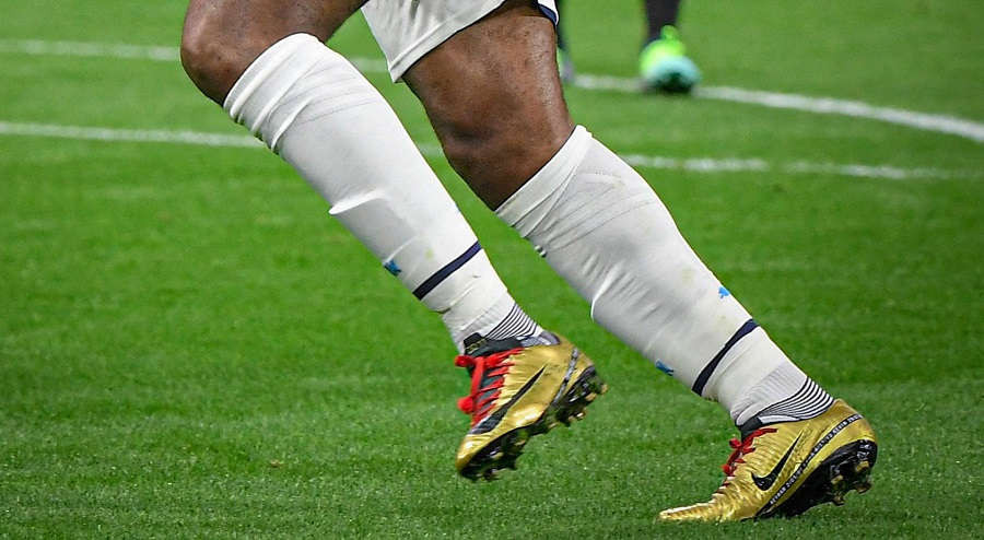 Didier Drogba Wears Gold Nike Boots