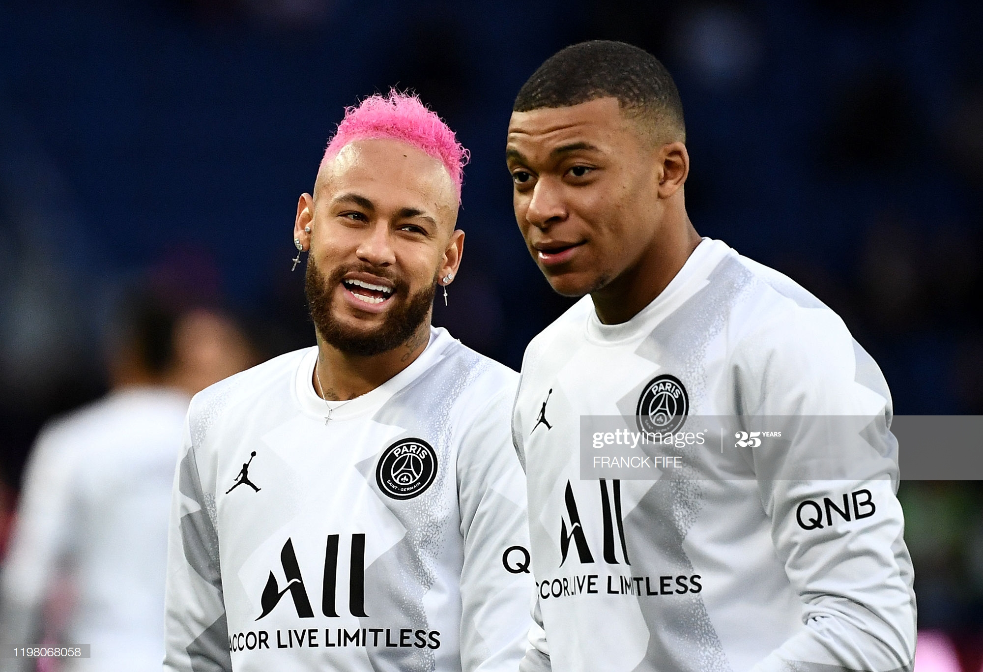 Paris Saint-Germain's Brazilian forward Neymar (L) jokes with Paris Saint-Germain's French forward Kylian MBappe prior to the French L1 football match between Paris Saint-Germain (PSG) and Montpellier Herault SC at the Parc des Princes stadium in Paris, on February 1, 2020. (Photo by FRANCK FIFE / AFP) (Photo by FRANCK FIFE/AFP via Getty Images)