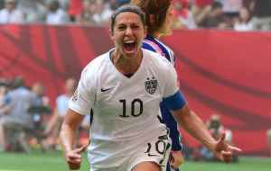 Carli Lloyd, the midfielder who was criticized and doubted many times, makes history with this victory