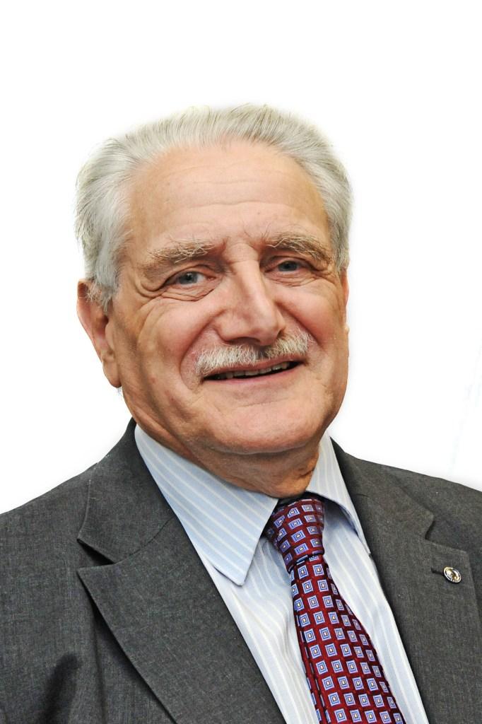Dr Peter Mayer