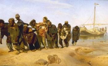 бурлаки на Волге тянут баржу на картине Репина