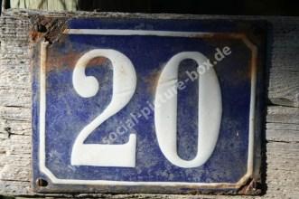Schilder - Hausnummer - Alt - Rost