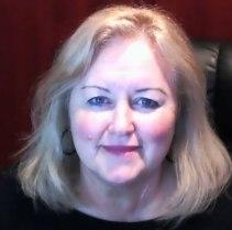 Elaine-Lindsay-Faculty-Dean-digital-media
