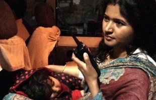 Raipur DSP Archana Jha is on Duty with Her Little Daughter