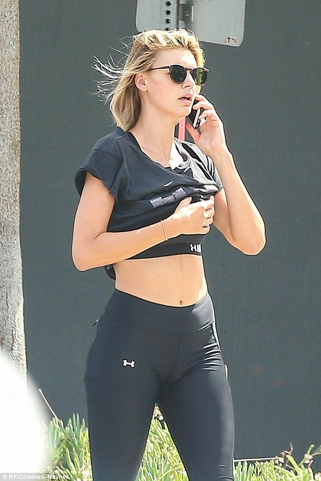 Kelly Roherbach Flaunts Her Lovely Abs on the steets of Los Angeles