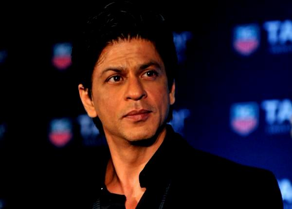 When Shahrukh Khan Fooled Fans with a Joke and Trolled on Twitter
