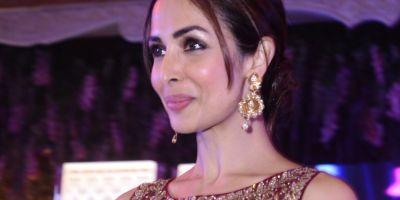 Malaika Arora Khan Lights Up The Ramp for Varun Mittal Of Tirupati Jewels