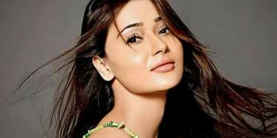 Television actor Sara Khan slamed for 'duping' and 'spoiling an event
