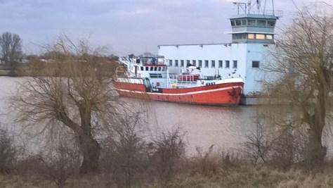 Forschungsschiff Schall in Bremen Hemelingen, Arberger Kanal