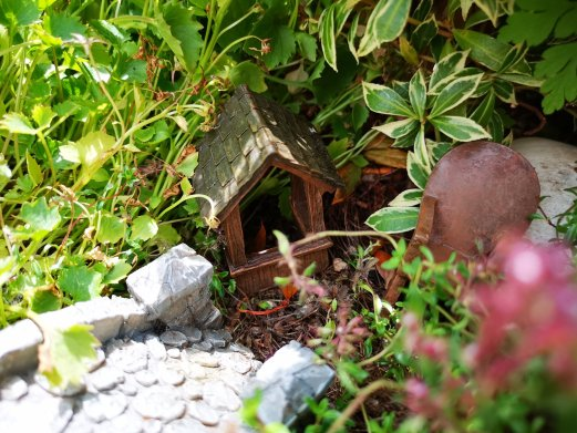 Build a fairy garden, how to build a fairy garden, pinterest crafts, summer vacation ideas, fun ideas for garden activities, dad blog, parenting blog, socialdad, bloggers in vancouver, dad bloggers in vancouver, male bloggers in vancouver, top canadian bloggers,