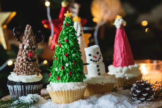 Christmas traditions, christmas recipes, cookie recipes, funny traditions, funny christmas traditions, socialdad, james r.c. smith, james smith, love crunch, lovecrun.ch, dad blogger, instagrammers, dad instagrammers, instagram influencers in vancouver,