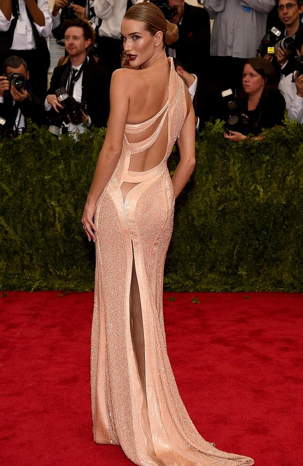 Rosie-Huntington--Whiteley-Met-Gala-2015