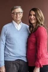 Bill Gates junto a su esposa, Melinda French; ambos dirigen la fundación que lleva su nombre