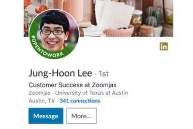 Así se ve la insignia #OpenToWork que LinkedIn promociona en su plataforma
