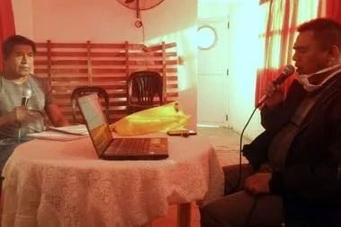 La radio de la Escuela Cacique Francisco Supaz transmite clases en español y en wichí