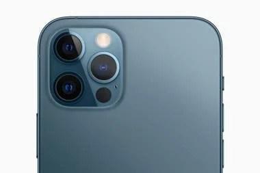 La cámara triple junto al sensor láser LiDAR, una característica propia de los iPhone 12 Pro