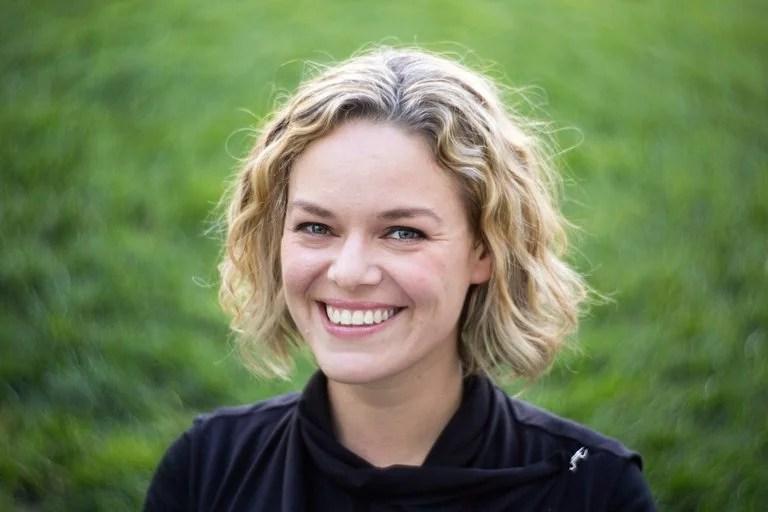 Katherine Maher dirige la Fundación Wikimedia