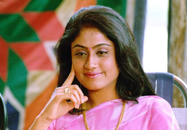 Vijayashanti demands Rs 5 crore for Mahesh Babu film?