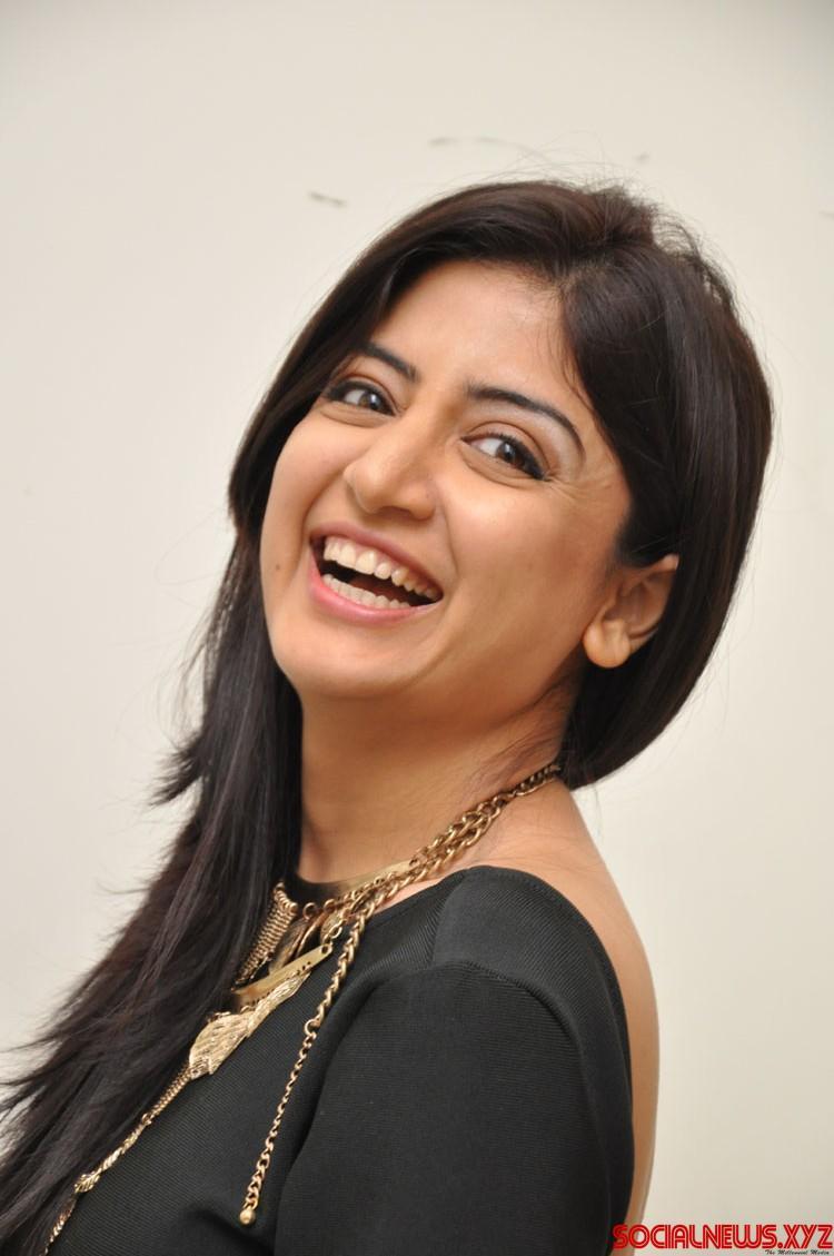 actress poonam kaur stills from thikka audio launch - social news xyz