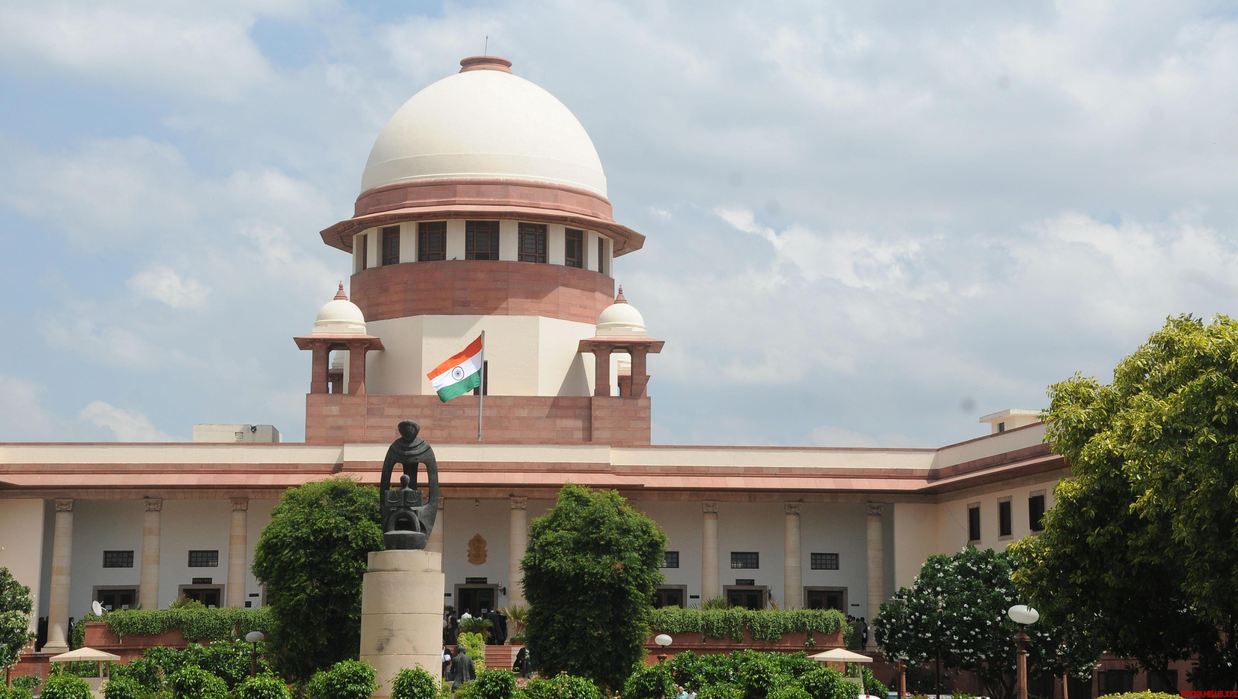 SC summons officials of Delh civic bodies on sealing issue