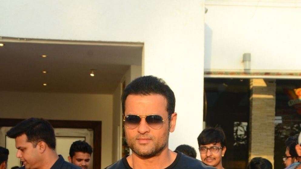 Rohit Roy joins Vikram Bhatt's digital series 'Memories'