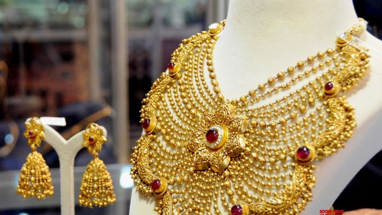 Consumer demand of gold may improve in 2021 on economic recovery of EMs