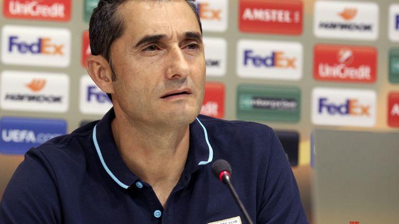 Barcelona coach trains squad for Sociedad clash