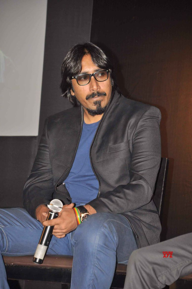 Arko feels elated to sing Bengali song for Akshay