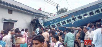 Muzaffarnagar: The bogies of Kalinga-Utkal Express that derailed near Khatauli in Muzaffarnagar district of Uttar Pradesh on Aug 19, 2017. At least thirteen people have died, and 58 injured people have been admitted to hospital. (Photo: IANS)