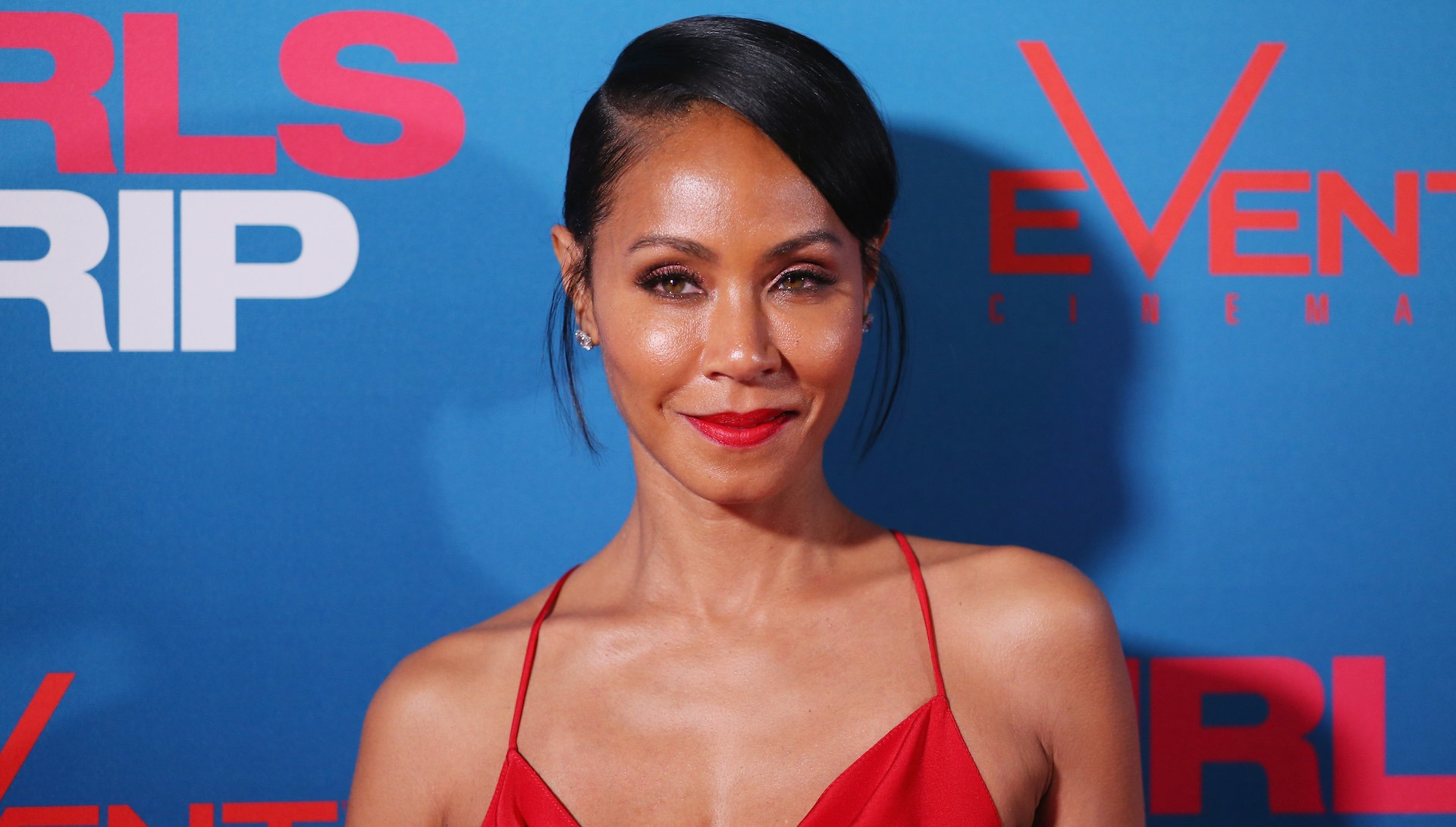 Jada Pinkett comes out in support of R. Kelly's victims
