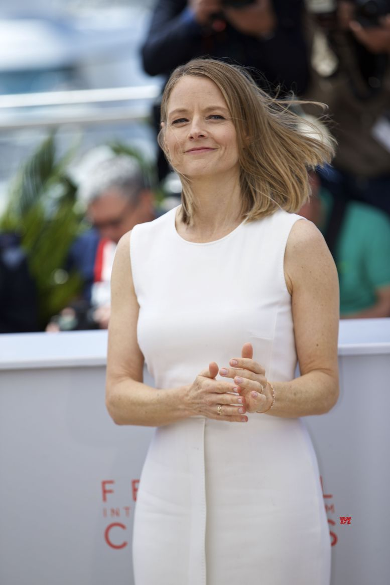 Jodie Foster's mother-cum-manager dead