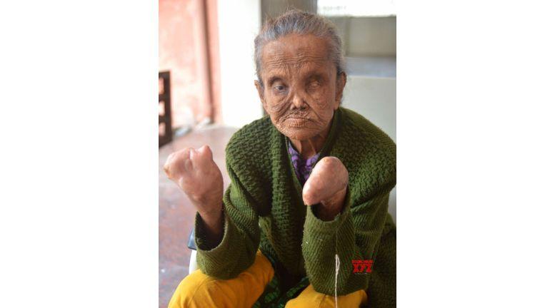 Old Bengaluru woman gets Aadhaar sans biometrics for pension