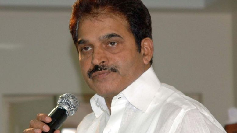 Congress' Venugopal rushes to Bengaluru to deal with crisis