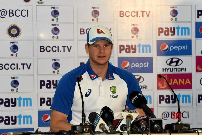 Smith, Warner reunite with Australian cricket team