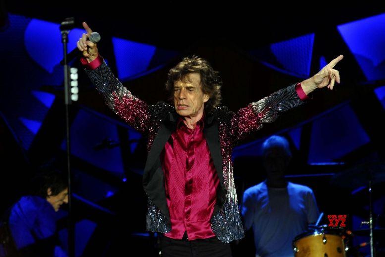 Mick Jagger dances away weeks after heart surgery