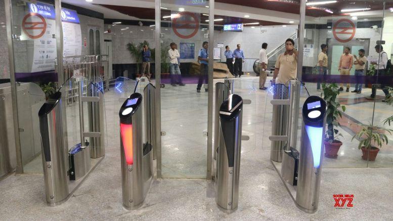 CISF returns bag with Rs 1 lakh to Delhi Metro passenger
