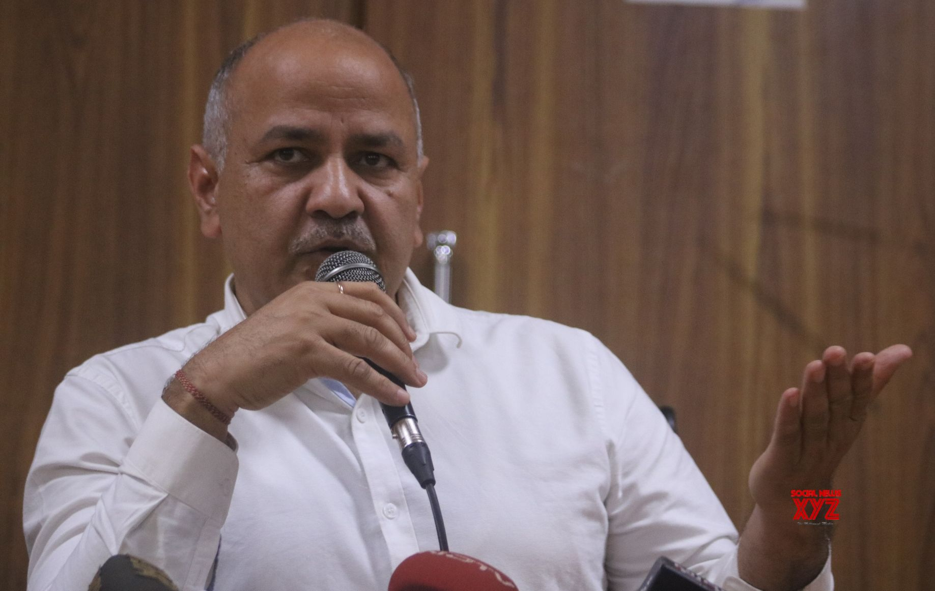 Sisodia files defamation case against BJP leaders