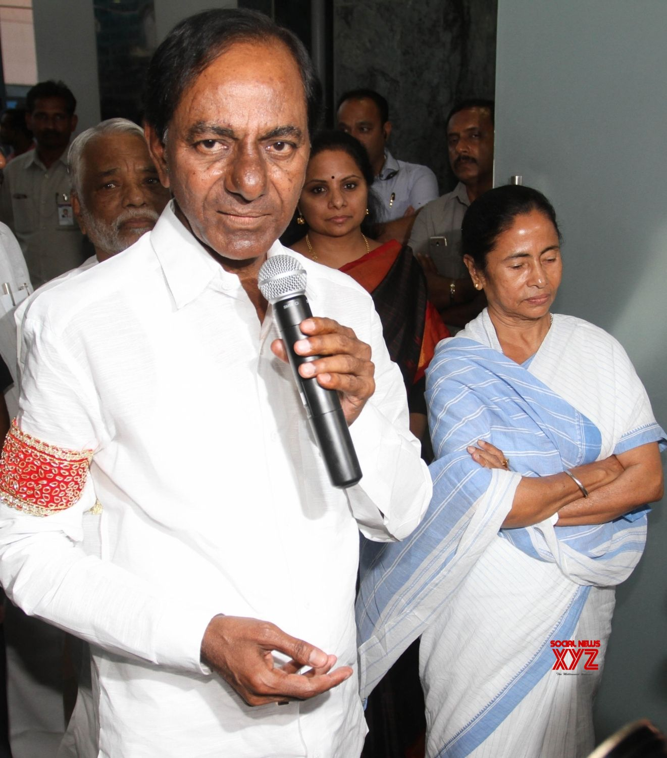 Howrah: Telangana Chief Minister K Chandrasekhar Rao talks to the press in the presence of West Bengal Chief Minister Mamata Banerjee at Nabanna in Howrah on March 19, 2018. (Photo: IANS)