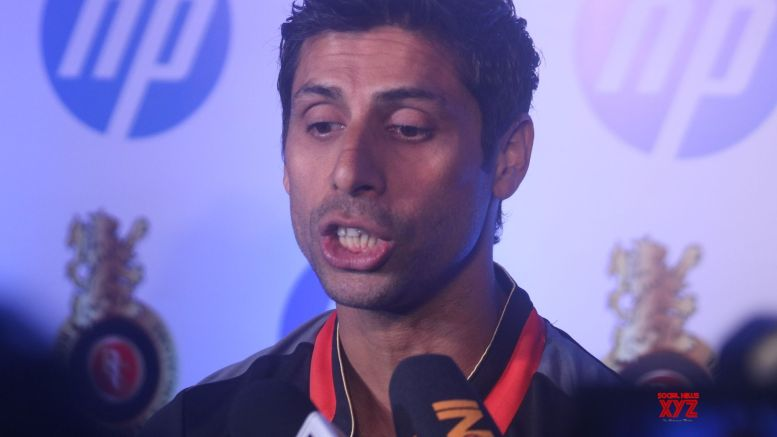 IPL has nothing to do with Dhoni's int'l career, says Nehra