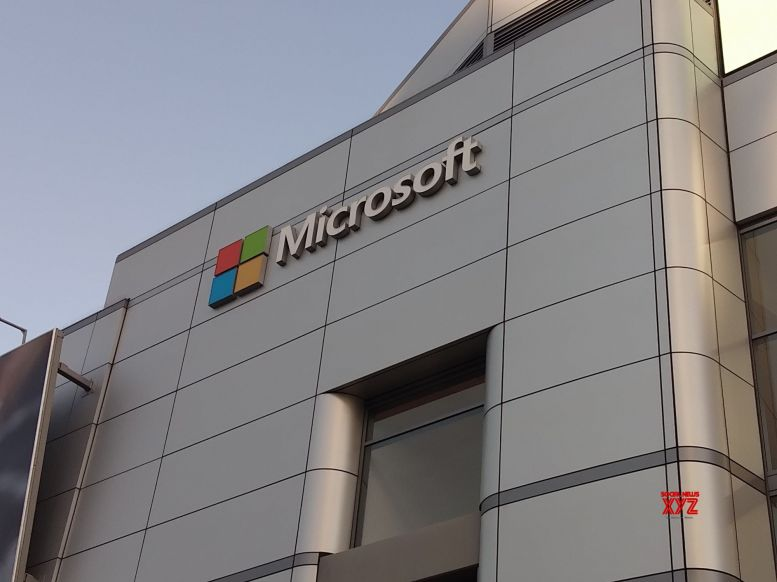 Microsoft to train 15,000 people on AI by 2022