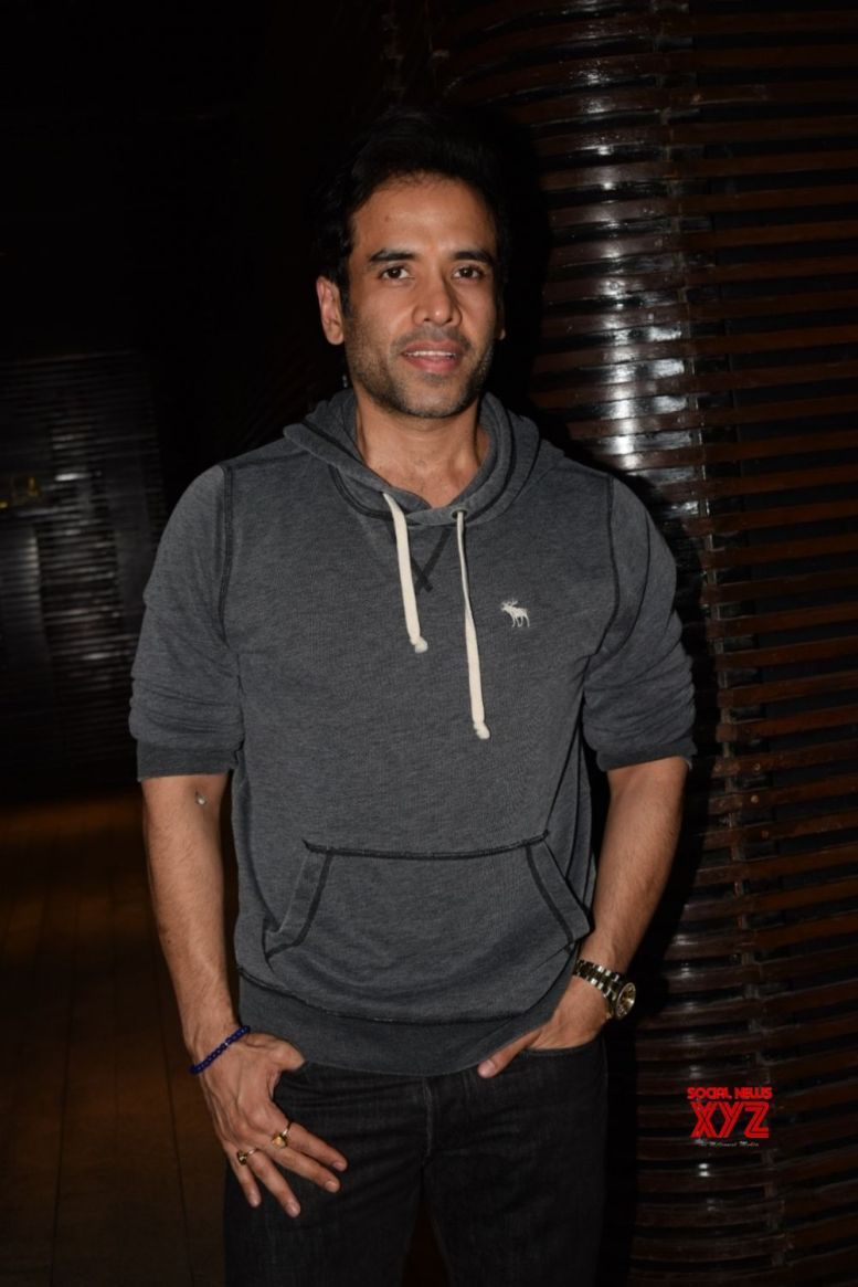 Tusshar Kapoor plans day according to Laksshya's time table