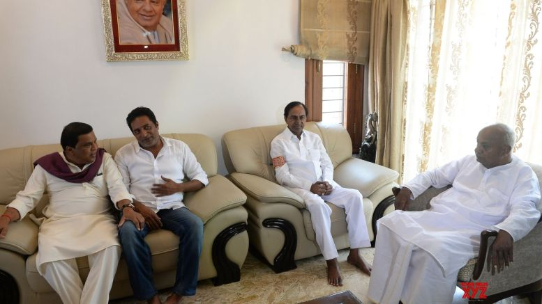 KCR declared his support to JD-S in Karnataka elections